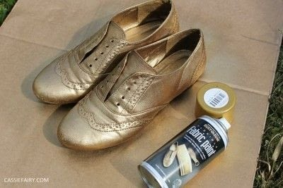 How to revamp a pair of revamped shoes. DIY Black & Gold Brogues - Step 2