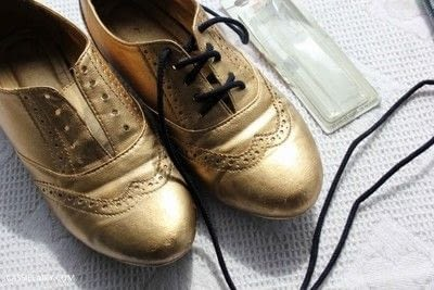 How to revamp a pair of revamped shoes. DIY Black & Gold Brogues - Step 5