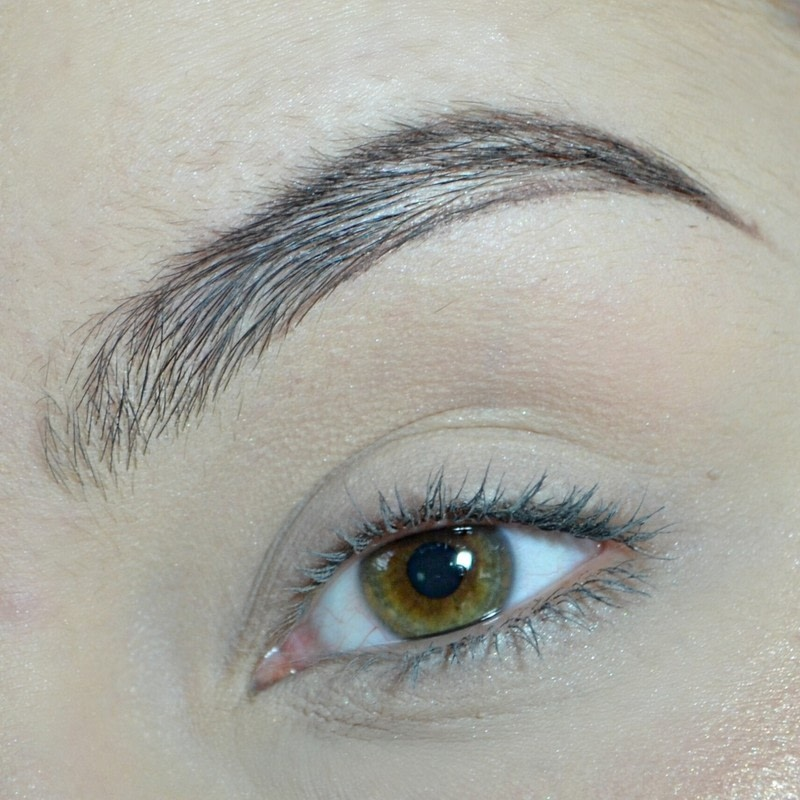 How To Fill In Your Brows How To Makeover An Eyebrow Beauty On