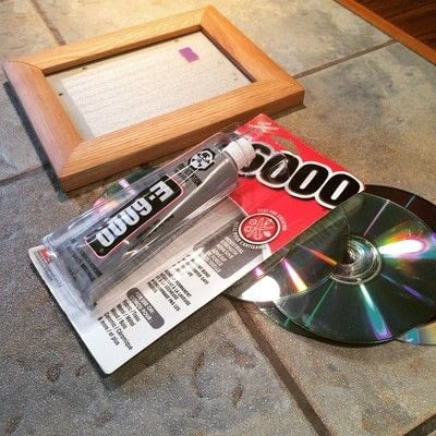 How to decorate an embellished photo frame. Repurposed Cd Mosaic Frame - Step 1