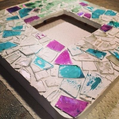 How to decorate an embellished photo frame. Repurposed Cd Mosaic Frame - Step 7