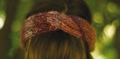 How to stitch a knit or crochet headband. Livlove Headband - Step 1