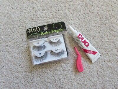 How to create a pin-up makeup look. Makeover Monday: Rihanna - Step 3