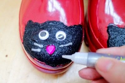 How to make a boot. Cat Wellies - Step 12
