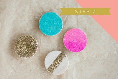 How to make a magnet. Neon Glitter Magnets - Step 2