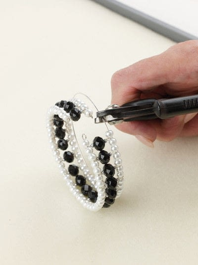 How to make a beaded cuff. After Eight Cuff - Step 11