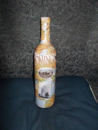 How to make a home accessory. Decoupage Map Collage Wine Bottle - Step 3