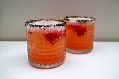 How to mix a tequila cocktail. Strawberry Smash - Step 8