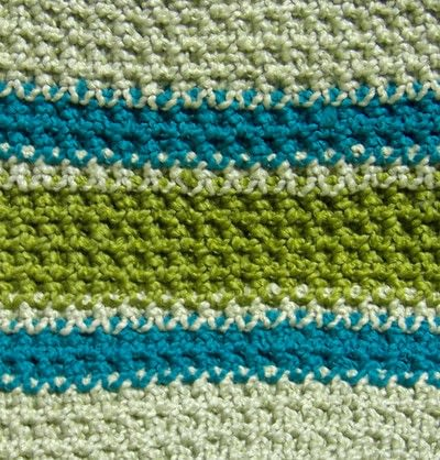 How to make a crochet. Classic Double Thick Potholder Stitch - Step 4