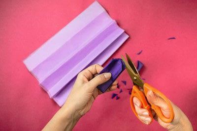 How to make a pom pom decoration. Butterfly Pom Pom - Step 3