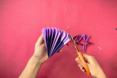 How to make a pom pom decoration. Butterfly Pom Pom - Step 4