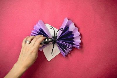 How to make a pom pom decoration. Butterfly Pom Pom - Step 8