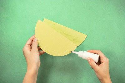 How to make a pom pom decoration. Honeycomb Pom Pom - Step 7