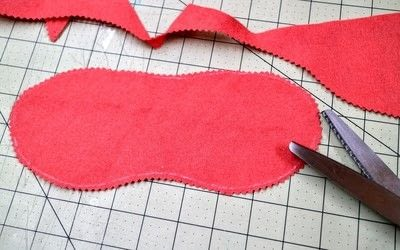 How to make a sleeping mask. Karen Mabon Inspired Eyelash Sleeping Mask - Step 3