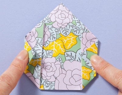 How to fold an origami box. Fusenbako Balloon Box - Step 7