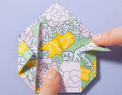 How to fold an origami box. Fusenbako Balloon Box - Step 8