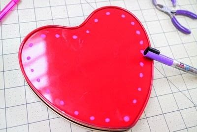 How to make a decorative light. Chocolate Box Marquee - Step 4