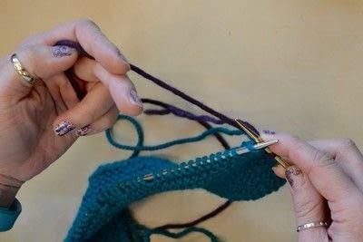 How to knit a brioche stitch. Brioche Stitch With Diagonal Yarn Over - Step 3