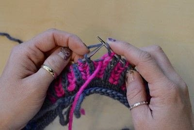 How to knit a brioche stitch. Brioche Stitch With Diagonal Yarn Over - Step 25