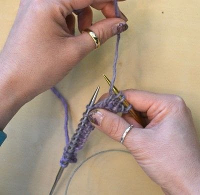 How to knit . The Yarn Over (Yo) - Step 4