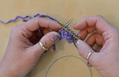 How to knit . The Yarn Over (Yo) - Step 7