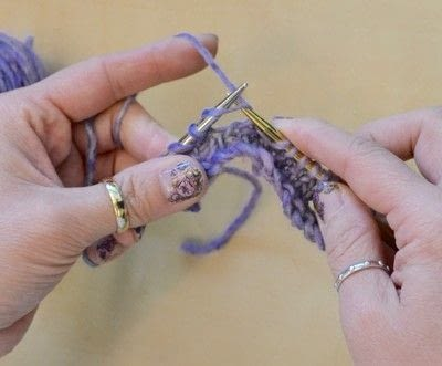 How to knit . The Yarn Over (Yo) - Step 13