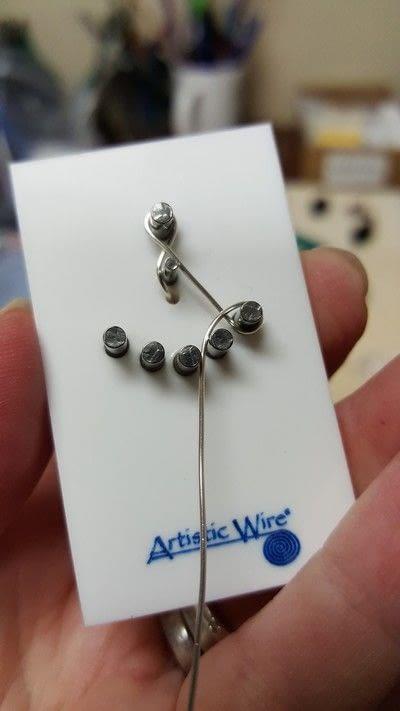 How to make a dangle earring. Earring Jackets - Step 2