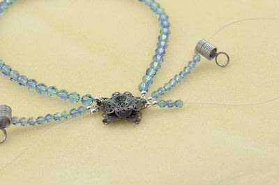 How to make a beaded necklace. Gatsby Style Necklace - Step 10