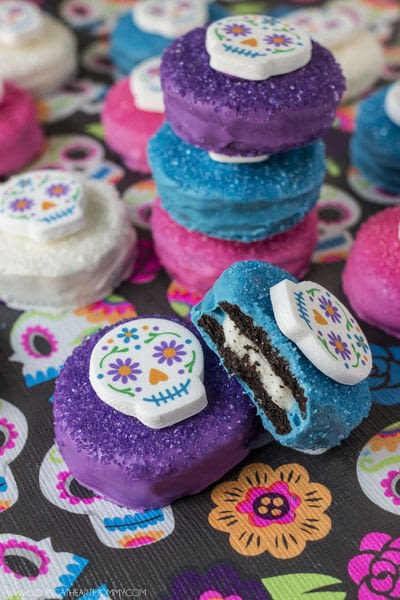 How to decorate a seasonal cookie. Sugar Skull Chocolate Covered Cookies - Step 5