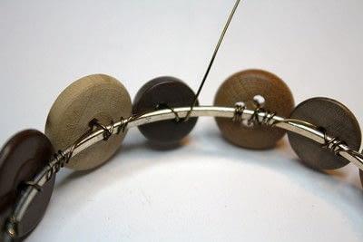 How to make a bangle. Button Bangle - Step 9