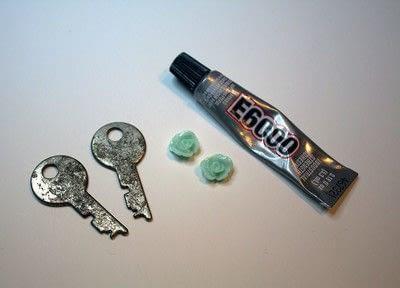 How to make a pair of key earrings. Sweet Key Earrings - Step 2
