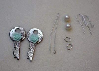 How to make a pair of key earrings. Sweet Key Earrings - Step 3