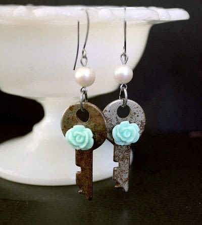 How to make a pair of key earrings. Sweet Key Earrings - Step 7
