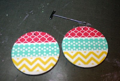 How to make an earring. Washi Tape Earrings - Step 7