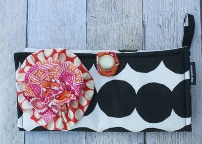 How to make a pouch, purse or wallet. Marimekko Emergency Kit - Step 8