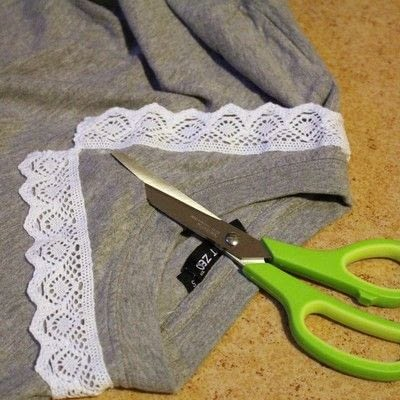 How to make a collared top. Peter Pan Collared T Shirt - Step 5