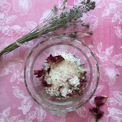 How to make a bath salt. Lavender Rose Bath Salts - Step 5