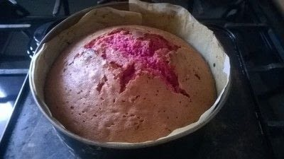 How to bake a sponge cake. Halloween Brain Cake - Step 6
