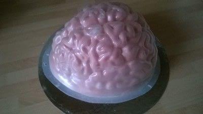 How to bake a sponge cake. Halloween Brain Cake - Step 10