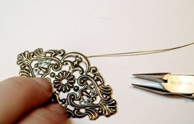 How to make a pendant necklace. Weeping Eye Necklace - Step 5