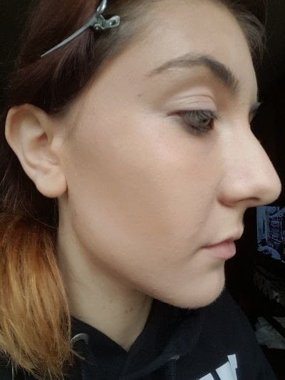 How to create a tan or contour makeup. How To: Contouring Your Face - Step 2