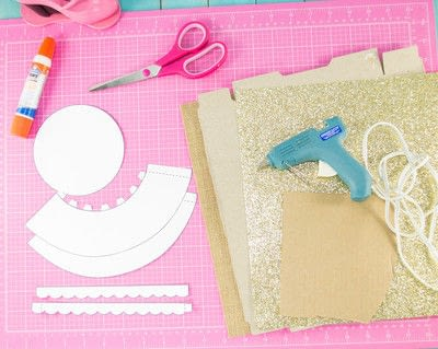 How to make a cake stand. Diy Cardboard Cupcake Stand - Step 1