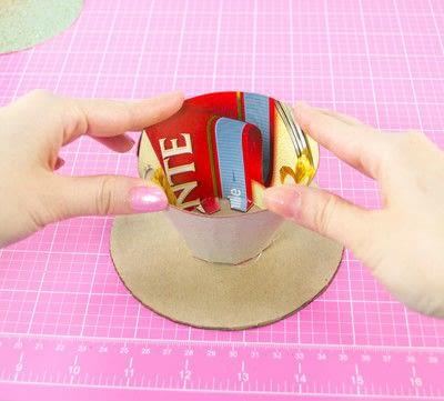 How to make a cake stand. Diy Cardboard Cupcake Stand - Step 6