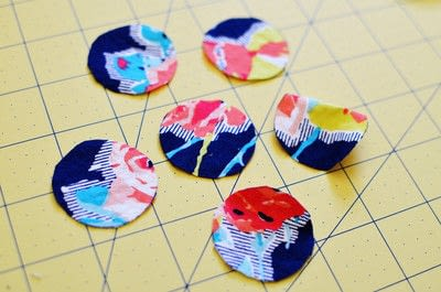 How to make a button bracelet. Easy Cover Button Bracelet - Step 7
