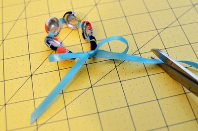 How to make a button bracelet. Easy Cover Button Bracelet - Step 13