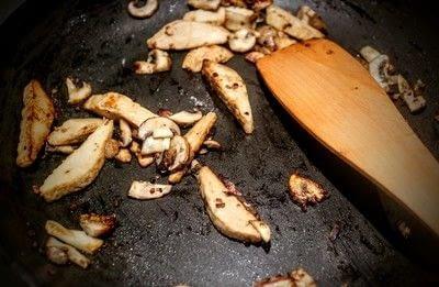 How to cook gnocchi. Quorn Chicken, Mozzarella & Basil Gnocchi - Step 3