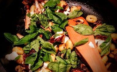 How to cook gnocchi. Quorn Chicken, Mozzarella & Basil Gnocchi - Step 4