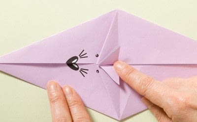 How to fold an origami animal. Origami Mouse - Step 9