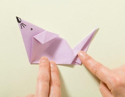 How to fold an origami animal. Origami Mouse - Step 17