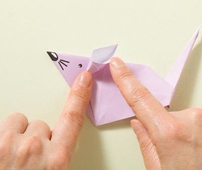 How to fold an origami animal. Origami Mouse - Step 18